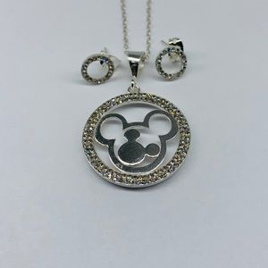 Disney doble Mickey Mouse necklace and studs